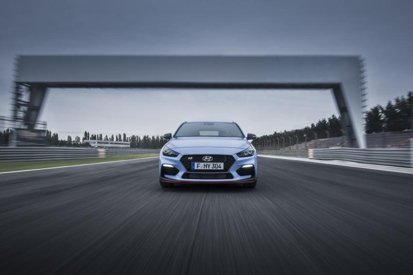Hyundai i30 N akhirnya didedahkan – 2.0 liter turbo T-GDI 275 PS/353 Nm, manual 6-kelajuan, E-LSD Image #683141