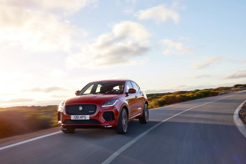Jaguar E-Pace diperkenalkan – SUV kompak dengan pilihan dua enjin Ingenium, kuasa antara 150 ke 300 PS Image #683277