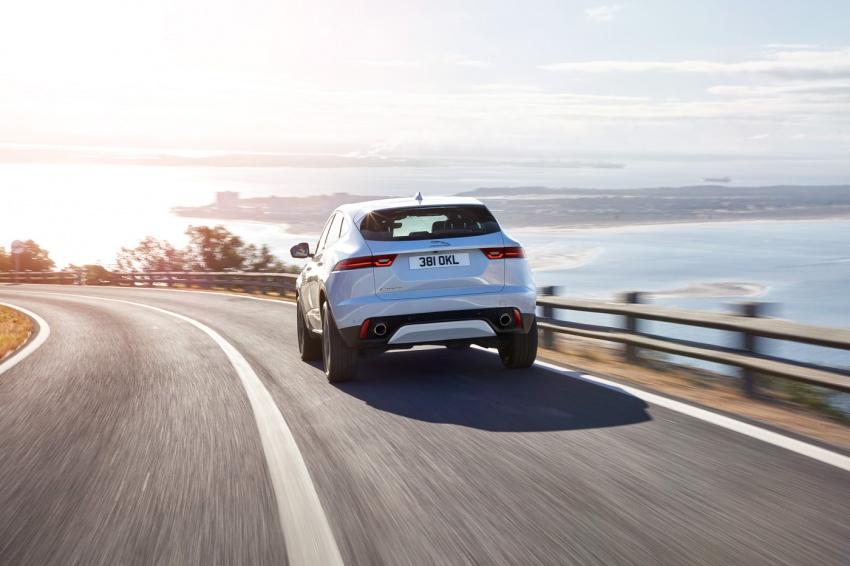 Jaguar E-Pace diperkenalkan – SUV kompak dengan pilihan dua enjin Ingenium, kuasa antara 150 ke 300 PS Image #683278