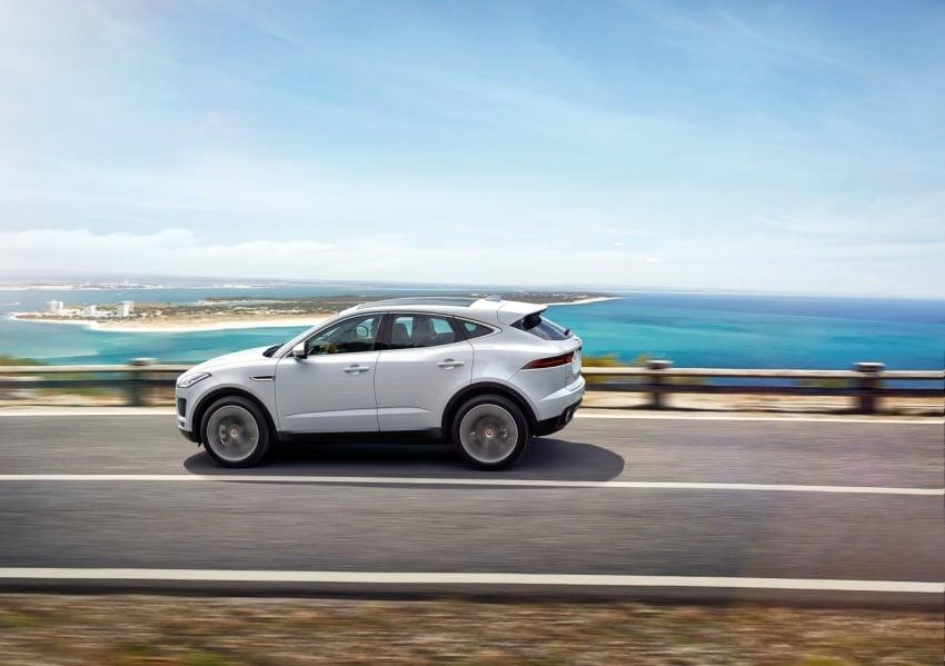 Jaguar E-Pace diperkenalkan – SUV kompak dengan pilihan dua enjin Ingenium, kuasa antara 150 ke 300 PS Image #683280