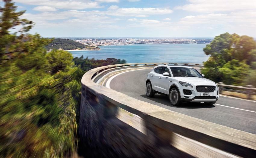 Jaguar E-Pace diperkenalkan – SUV kompak dengan pilihan dua enjin Ingenium, kuasa antara 150 ke 300 PS Image #683281
