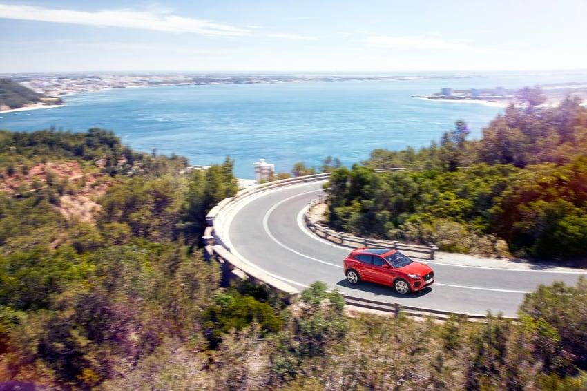 Jaguar E-Pace diperkenalkan – SUV kompak dengan pilihan dua enjin Ingenium, kuasa antara 150 ke 300 PS Image #683268