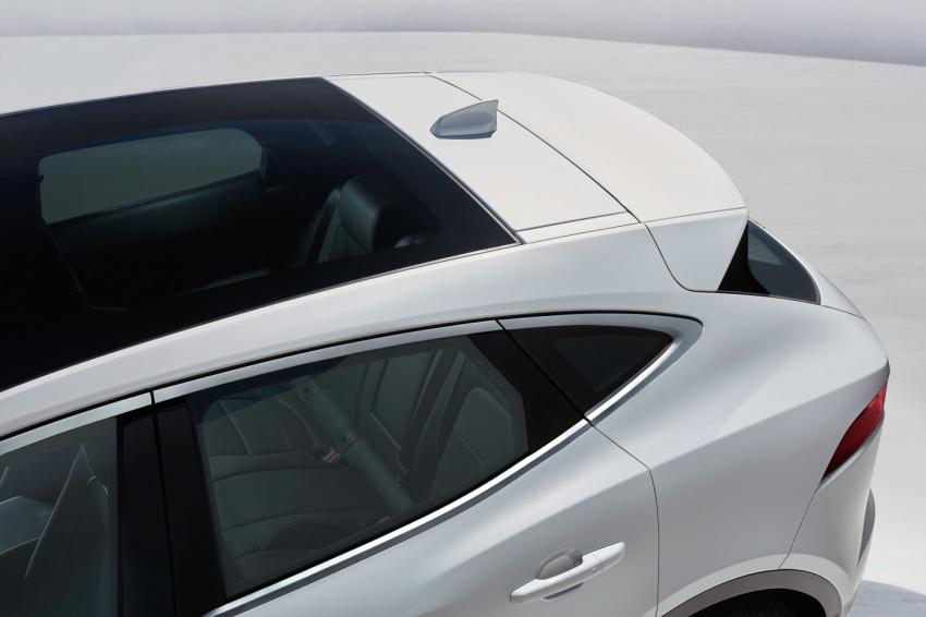 Jaguar E-Pace diperkenalkan – SUV kompak dengan pilihan dua enjin Ingenium, kuasa antara 150 ke 300 PS Image #683213