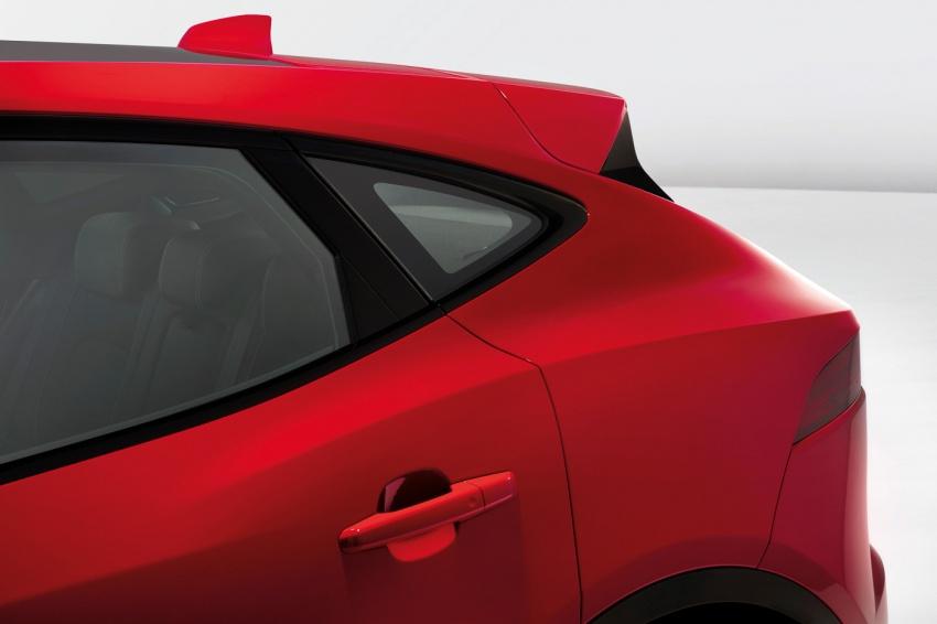 Jaguar E-Pace diperkenalkan – SUV kompak dengan pilihan dua enjin Ingenium, kuasa antara 150 ke 300 PS Image #683211