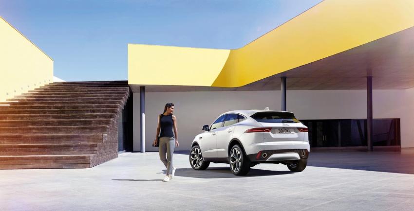 Jaguar E-Pace diperkenalkan – SUV kompak dengan pilihan dua enjin Ingenium, kuasa antara 150 ke 300 PS Image #683241