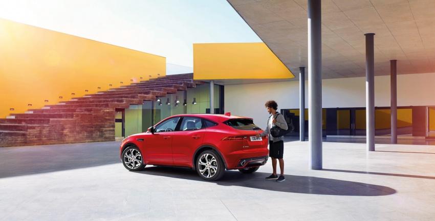 Jaguar E-Pace diperkenalkan – SUV kompak dengan pilihan dua enjin Ingenium, kuasa antara 150 ke 300 PS Image #683247