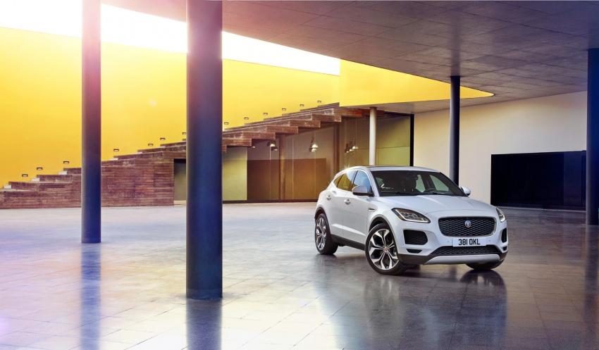 Jaguar E-Pace diperkenalkan – SUV kompak dengan pilihan dua enjin Ingenium, kuasa antara 150 ke 300 PS Image #683249