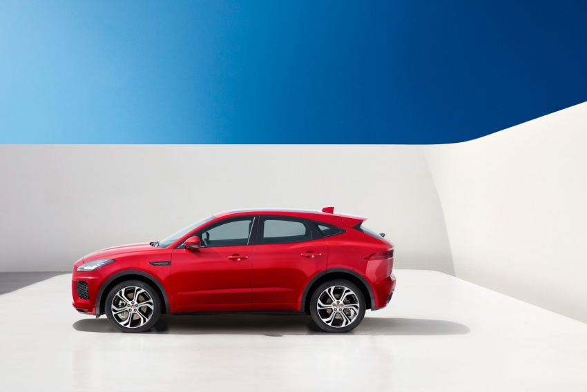 Jaguar E-Pace diperkenalkan – SUV kompak dengan pilihan dua enjin Ingenium, kuasa antara 150 ke 300 PS Image #683232