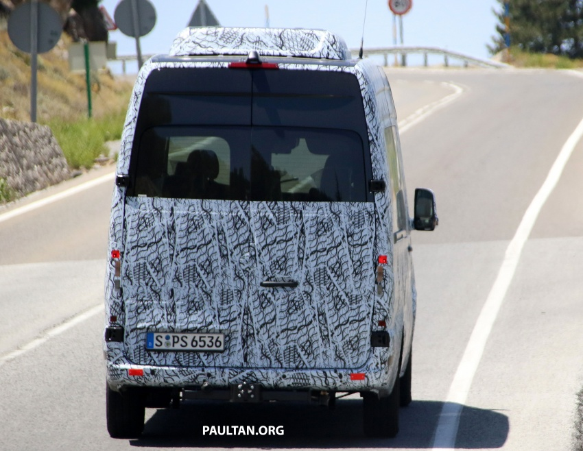 SPYSHOTS: 2018 Mercedes-Benz Sprinter van spotted, full-electric variants set to be operational by 2020 Image #684773