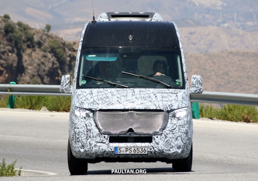 SPYSHOTS: 2018 Mercedes-Benz Sprinter van spotted, full-electric variants set to be operational by 2020 Image #684765