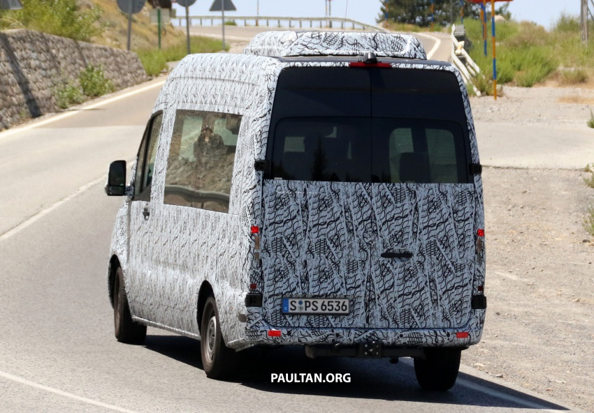 SPYSHOTS: 2018 Mercedes-Benz Sprinter van spotted, full-electric variants set to be operational by 2020 Image #684772