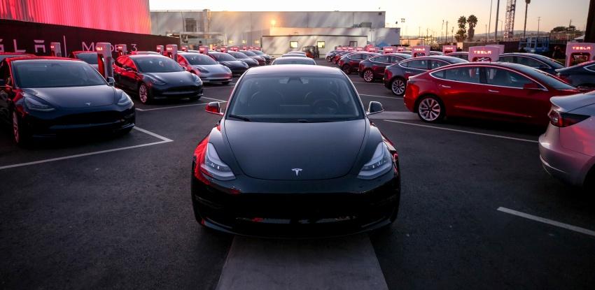 Tesla Model 3 – versi produksi model paling murah Image #691052