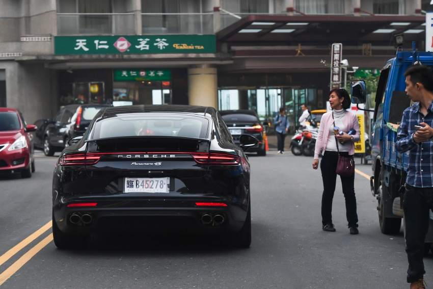 DRIVEN: 2017 Porsche Panamera 4S in Taiwan – take a break Jeeves, because the Boss wants to boss the car Image #678526