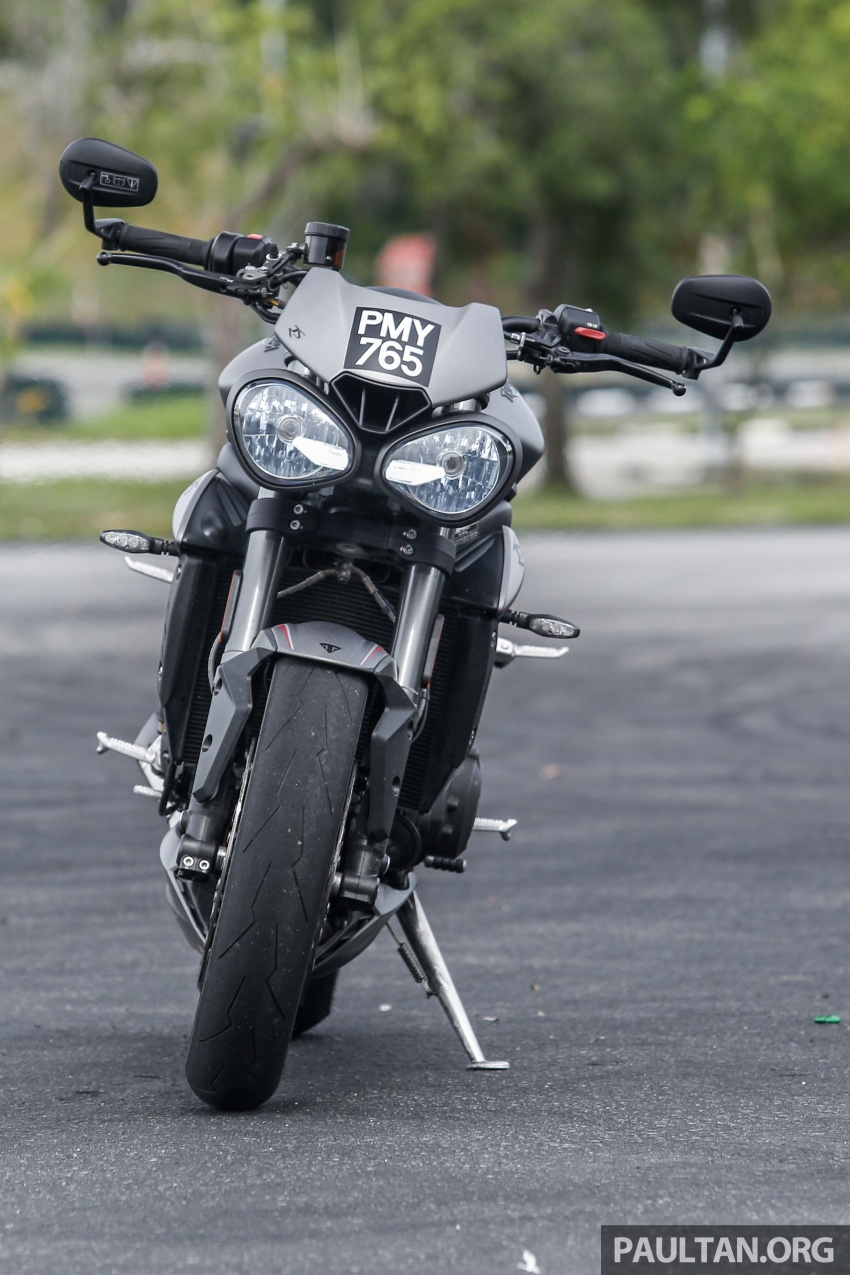 TUNGGANG UJI: Triumph Street Triple RS765 – punya keseimbangan baik, prestasi terus berkemampuan Image #690088