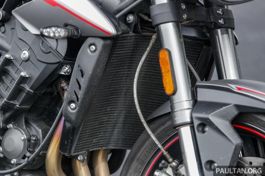 TUNGGANG UJI: Triumph Street Triple RS765 – punya keseimbangan baik, prestasi terus berkemampuan Image #690100