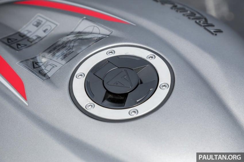 TUNGGANG UJI: Triumph Street Triple RS765 – punya keseimbangan baik, prestasi terus berkemampuan Image #690122