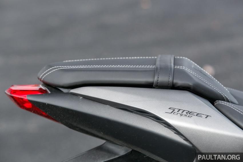 TUNGGANG UJI: Triumph Street Triple RS765 – punya keseimbangan baik, prestasi terus berkemampuan Image #690124