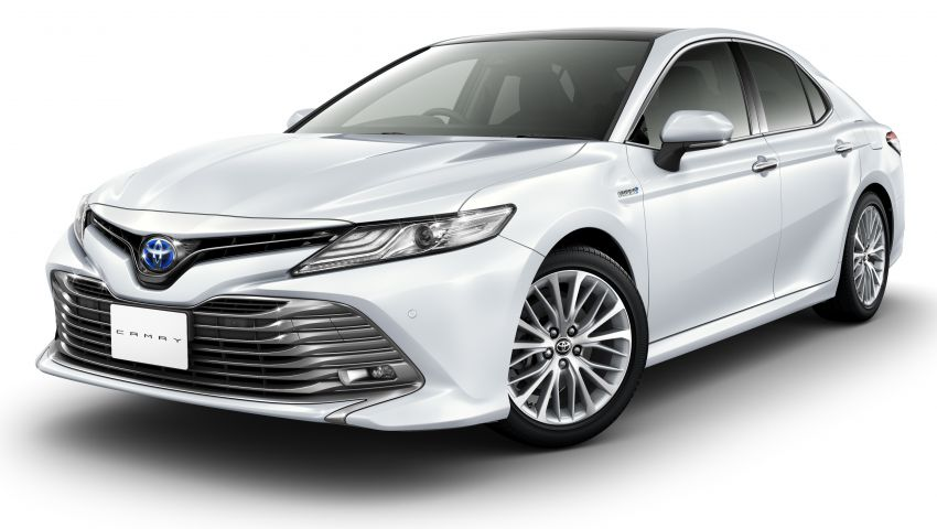 2018 Toyota Camry Hybrid on sale in Japan – 33.4 km/l Image #681070