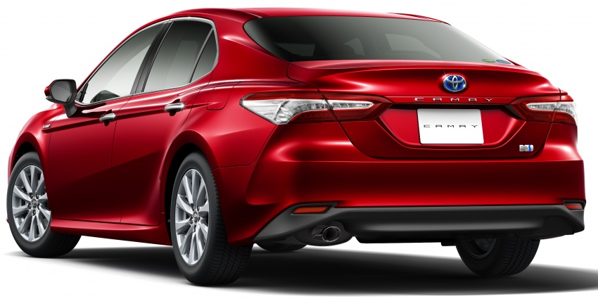 2018 Toyota Camry Hybrid on sale in Japan – 33.4 km/l Image #681079