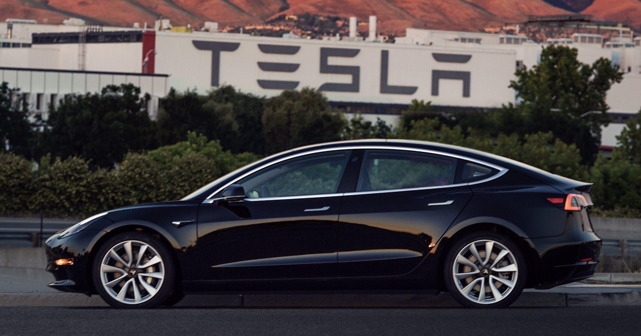 35000 Car Loan >> Tesla Model 3 Long Range rear-wheel drive axed