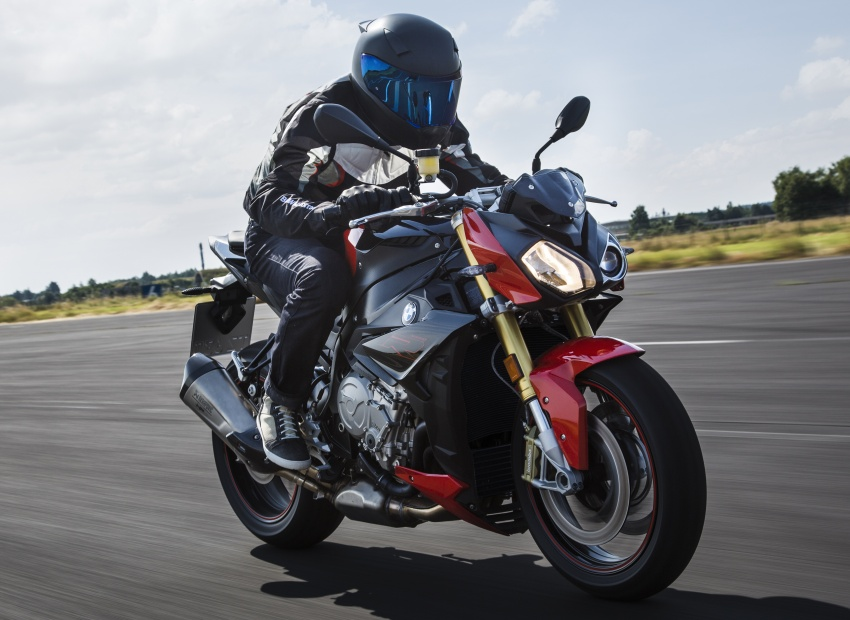 2017 BMW S 1000 R naked sports and R 1200 GS Adventure in Malaysia – RM92,900 and RM116,900 Image #694828