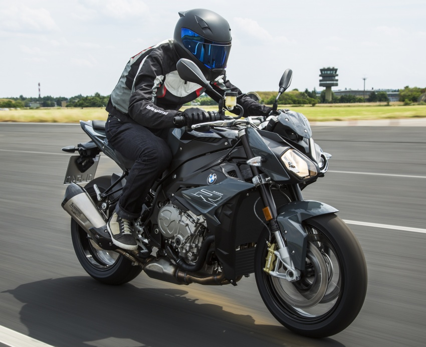 2017 BMW S 1000 R naked sports and R 1200 GS Adventure in Malaysia – RM92,900 and RM116,900 Image #694830