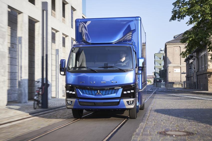 Mitsubishi Fuso eCanter mula dikeluarkan di Eropah – trak kegunaan ringan elektrik penuh pertama di dunia Image #692419