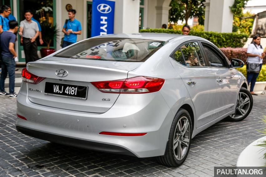 DRIVEN: 2017 Hyundai Elantra Sport 1.6 Turbo, 2.0 NA Image #702337
