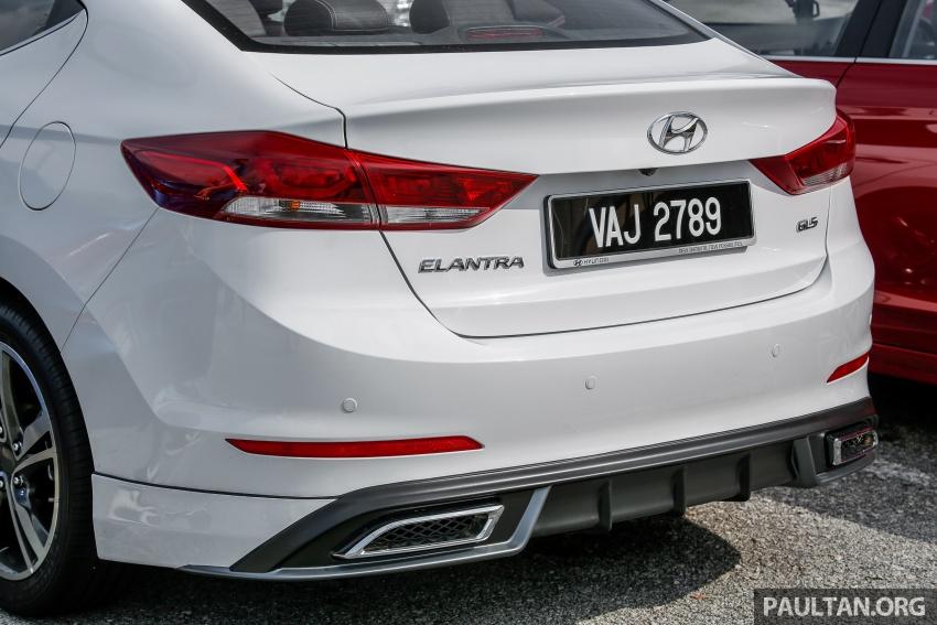 DRIVEN: 2017 Hyundai Elantra Sport 1.6 Turbo, 2.0 NA Image #702344