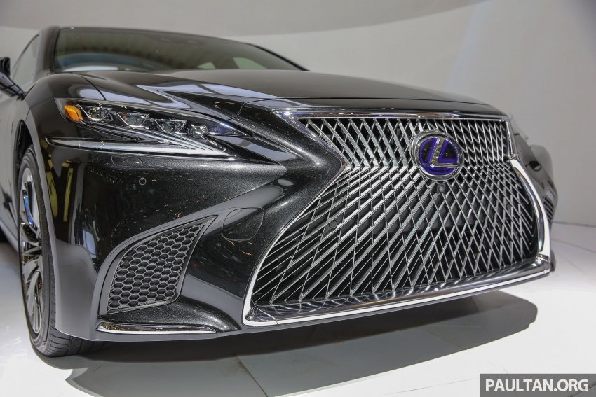 GIIAS 2017: Lexus LS 500h previewed in Indonesia Image #698199