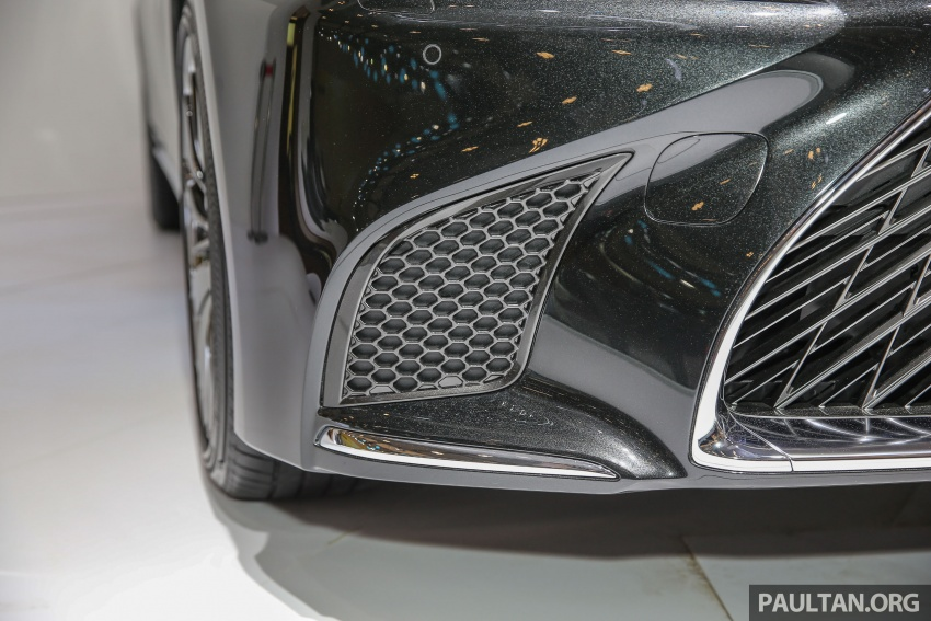 GIIAS 2017: Lexus LS 500h previewed in Indonesia Image #698208
