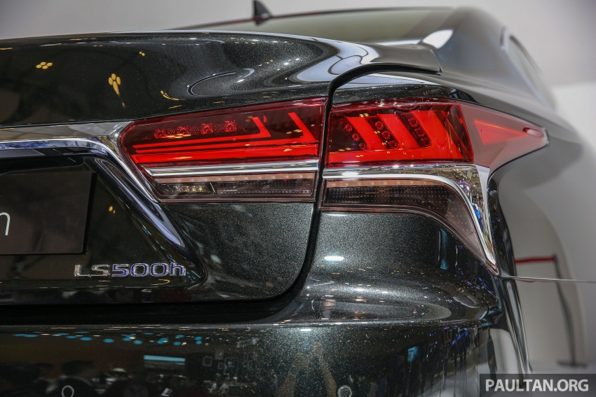 GIIAS 2017: Lexus LS 500h previewed in Indonesia Image #698212