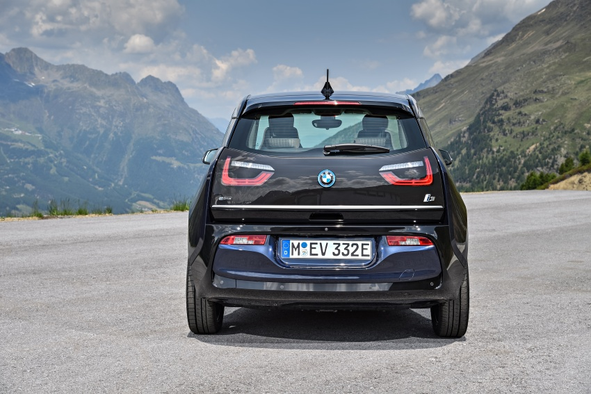 BMW i3 facelift unveiled with sportier 184 hp i3s model Image #704665