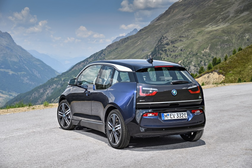 BMW i3 facelift unveiled with sportier 184 hp i3s model Image #704679