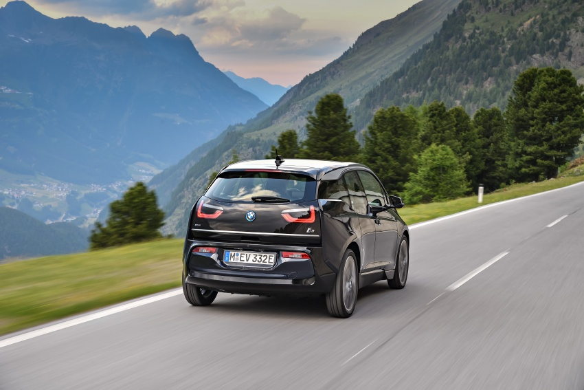 BMW i3 facelift unveiled with sportier 184 hp i3s model Image #704690