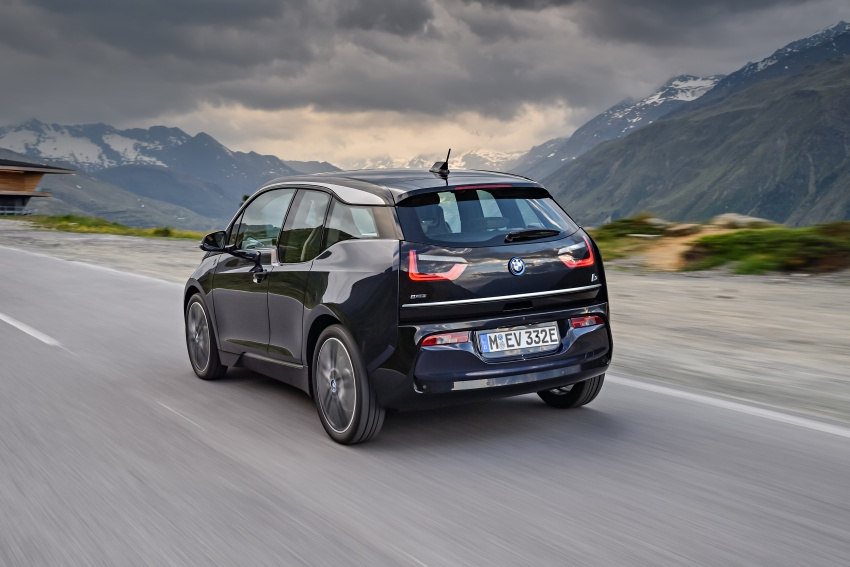 BMW i3 facelift unveiled with sportier 184 hp i3s model Image #704693
