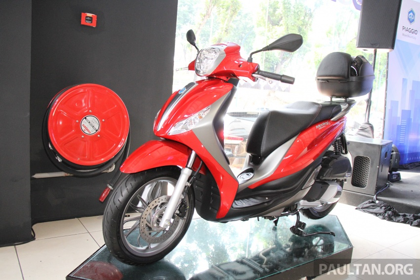 2017 Vespa S 125 i-GET and Piaggio Medley S 150 ABS launched – RM12,603 and RM18,327, respectively Image #695483