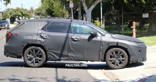 SPYSHOTS: Lexus RX with three-row seating tested