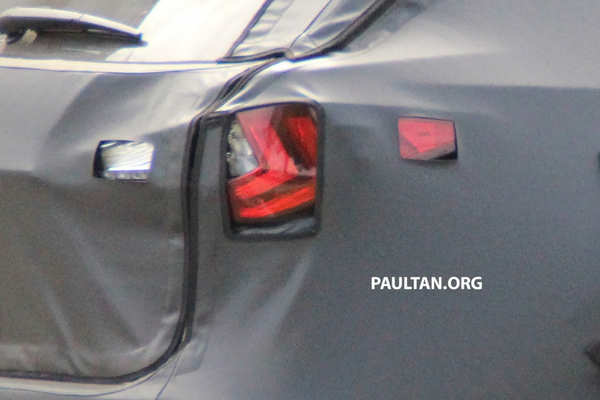 SPYSHOTS: Lexus RX with three-row seating tested Image #702518
