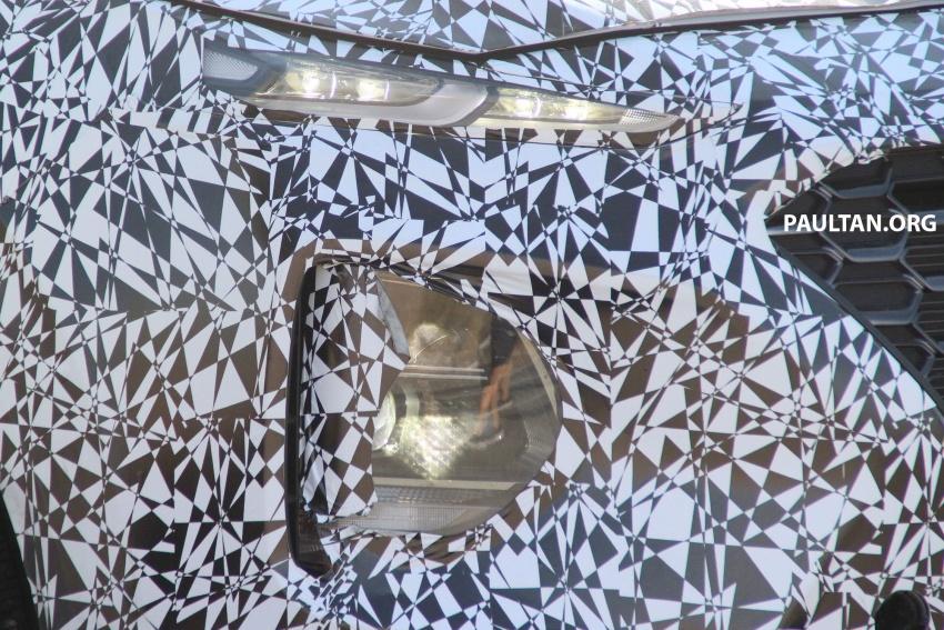 SPYSHOTS: Next-gen Hyundai Santa Fe seen testing Image #700305