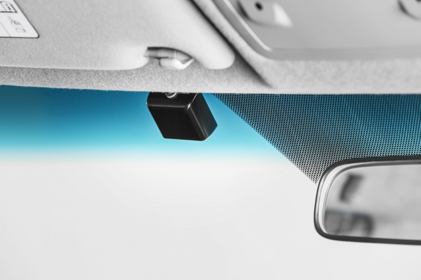 UMW Toyota introduces accessories for Hilux, Sienta – custom integrated Smart Tag unit for all models Image #701884