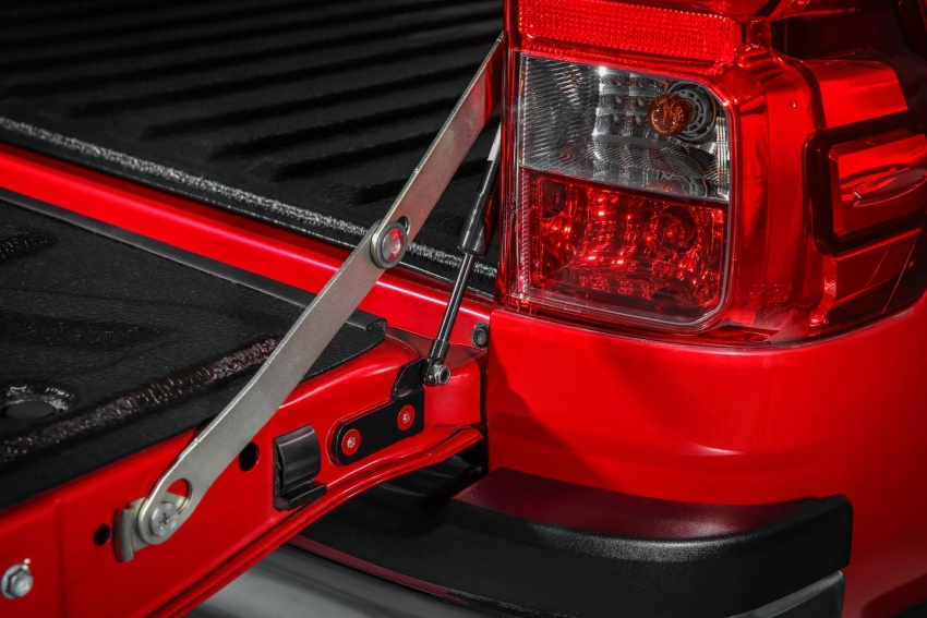 UMW Toyota introduces accessories for Hilux, Sienta – custom integrated Smart Tag unit for all models Image #701886