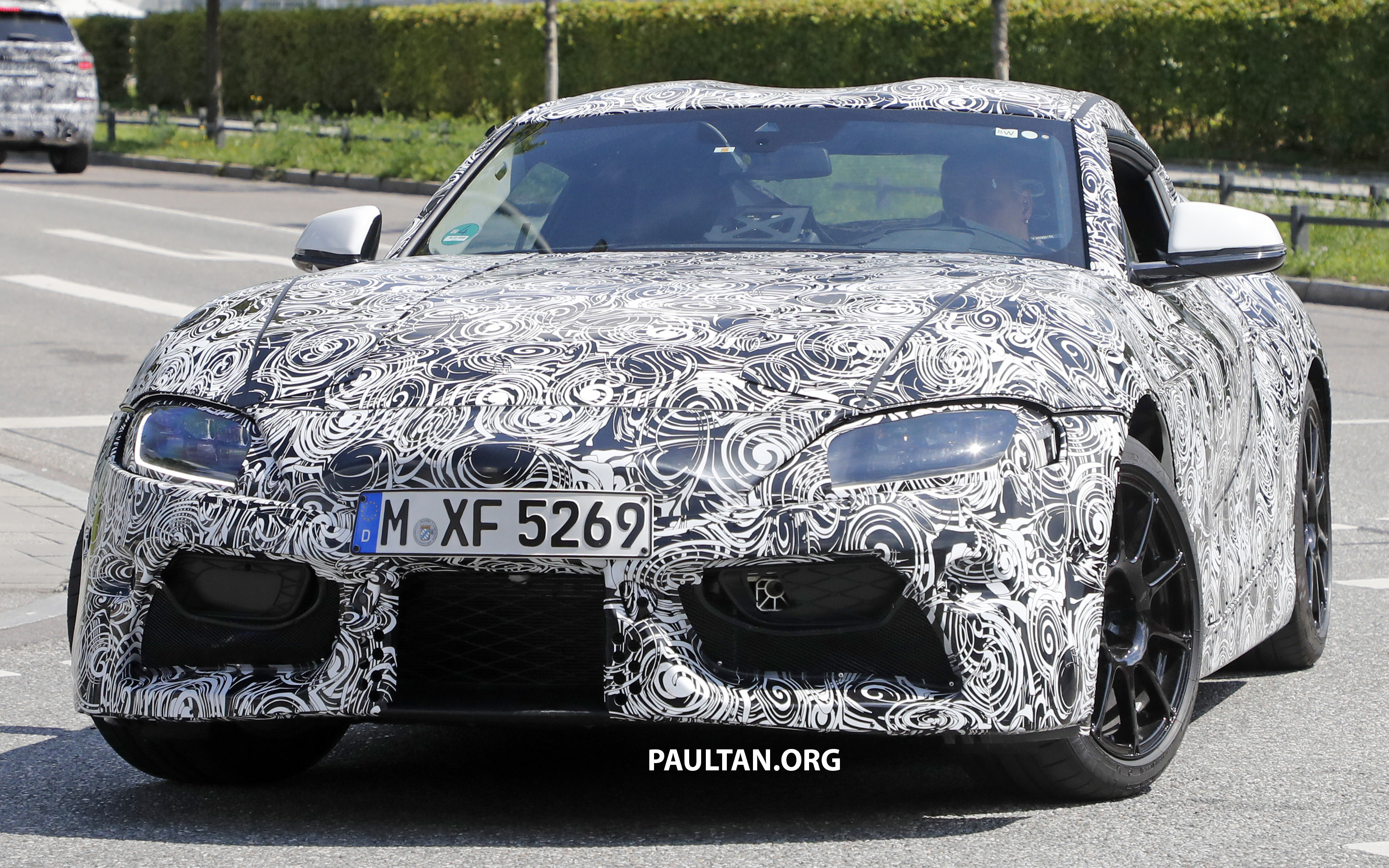 spied 2018 toyota supra wearing full led headlights. Black Bedroom Furniture Sets. Home Design Ideas
