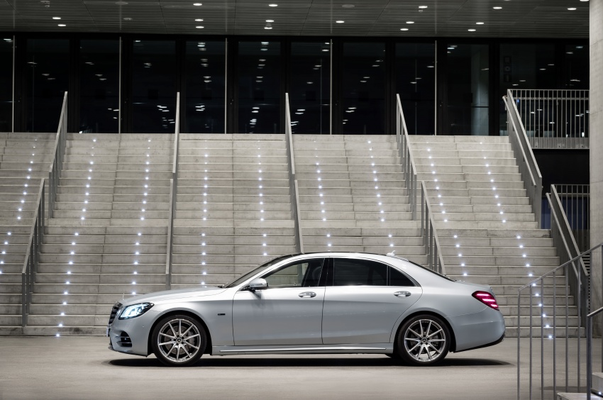 Mercedes-Benz S560e debuts in Frankfurt – up to 50 km of electric driving range, 0-100 km/h in 5 seconds Image #709284