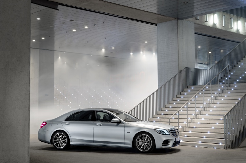 Mercedes-Benz S560e debuts in Frankfurt – up to 50 km of electric driving range, 0-100 km/h in 5 seconds Image #709286