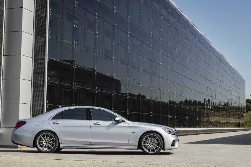 Mercedes-Benz S560e debuts in Frankfurt – up to 50 km of electric driving range, 0-100 km/h in 5 seconds Image #709304