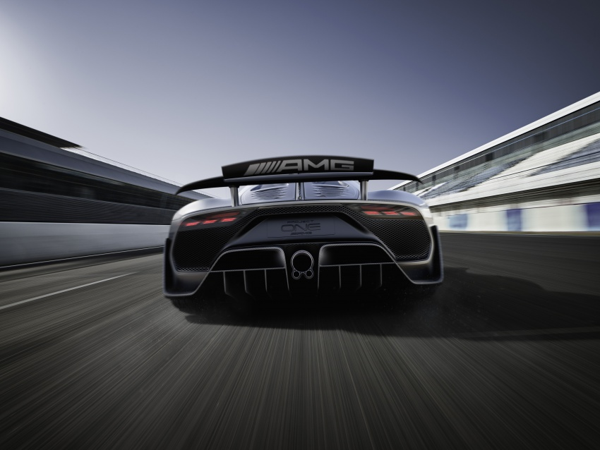 Mercedes-AMG Project One hypercar finally unveiled – sub-6 seconds 0-200 km/h, top speed over 350 km/h Image #708472