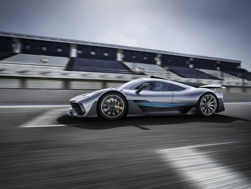 Mercedes-AMG Project One hypercar finally unveiled – sub-6 seconds 0-200 km/h, top speed over 350 km/h Image #708478