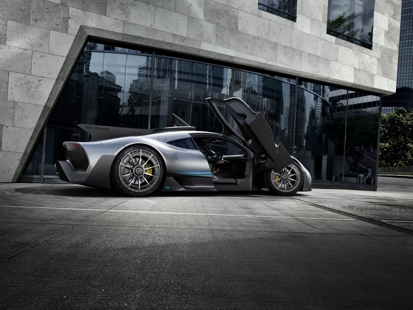 Mercedes-AMG Project One hypercar finally unveiled – sub-6 seconds 0-200 km/h, top speed over 350 km/h Image #708495