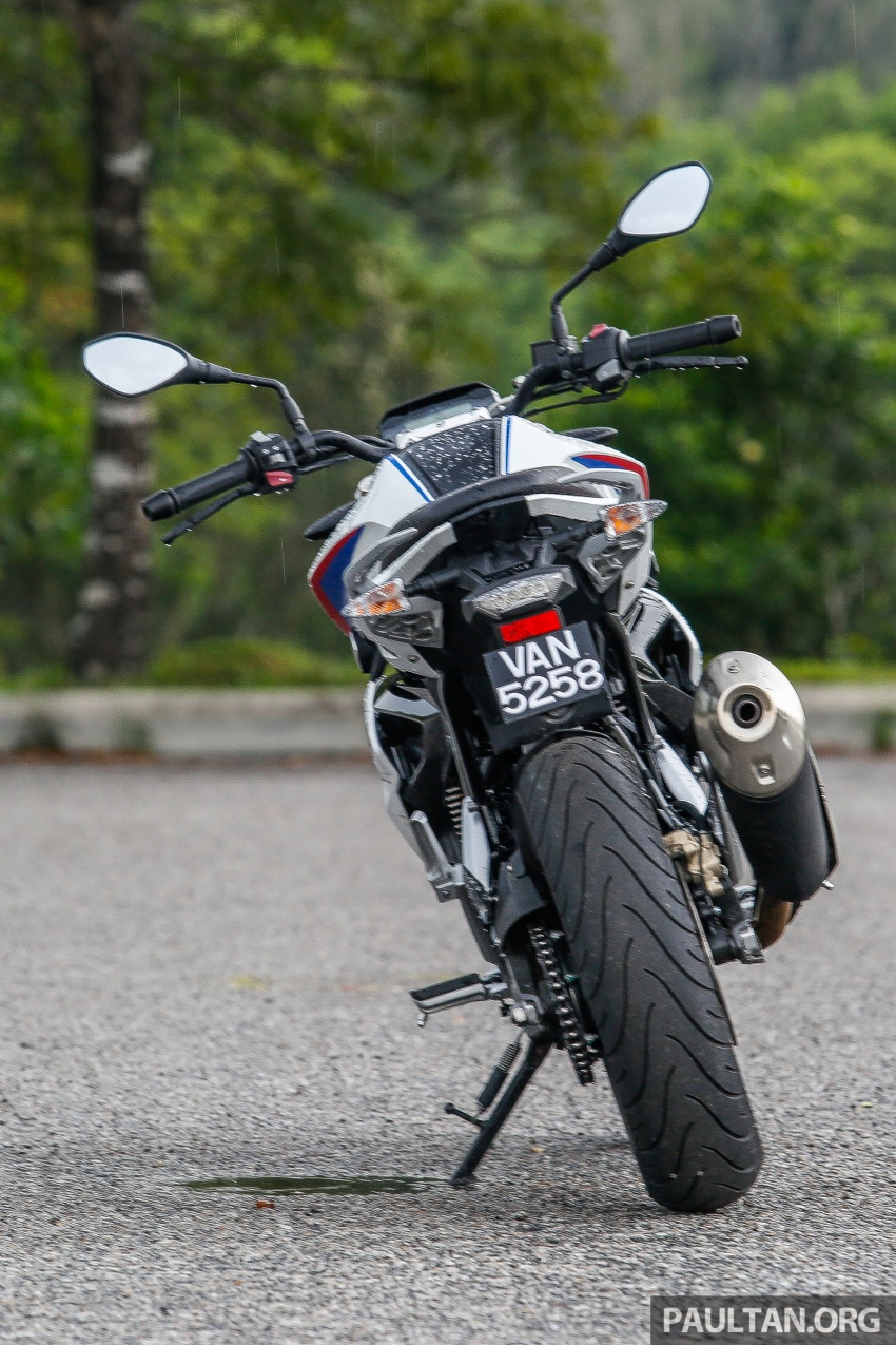 REVIEW: 2017 BMW Motorrad G310R in Malaysia – RM27k with ABS, but is it a proper BMW bike? Image #709544